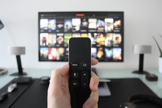 5 Ways iPhone/Android Can Cast Screen to TV Without Chromecast