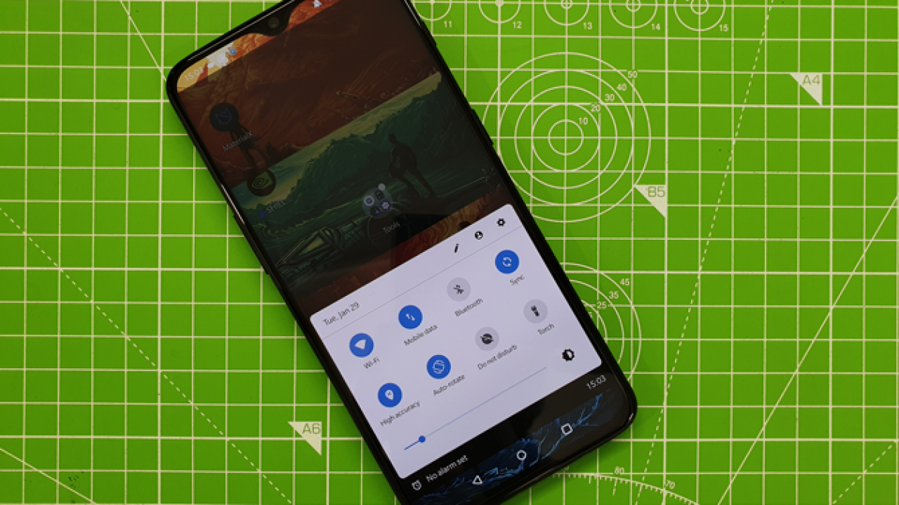 6 Best Android Quick Settings Apps To Customize It Like A Pro