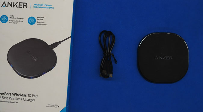 anker-wireless-charger-in-the-box-contents